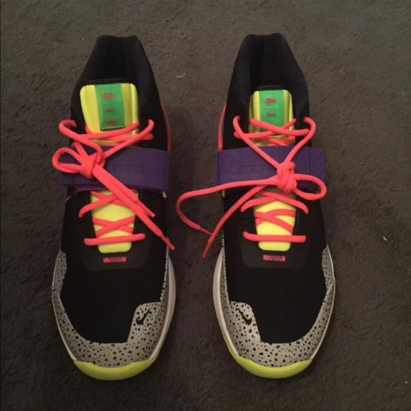 Nike Air Max 270 shoes blackpunch